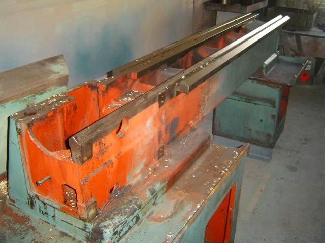 demontovany stroj